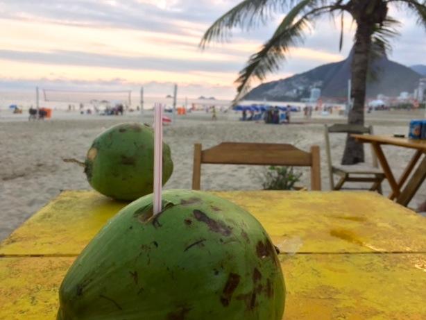 agua de coco, o que se bebe no brasil