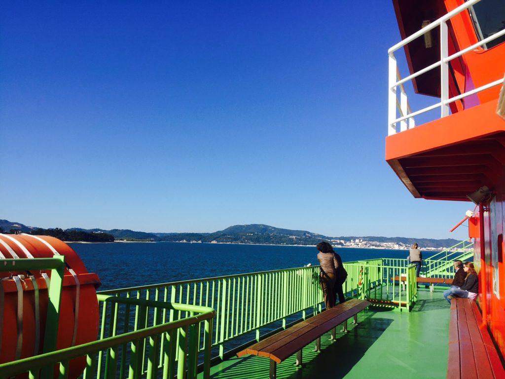 ferry entre setubal e troia exterior