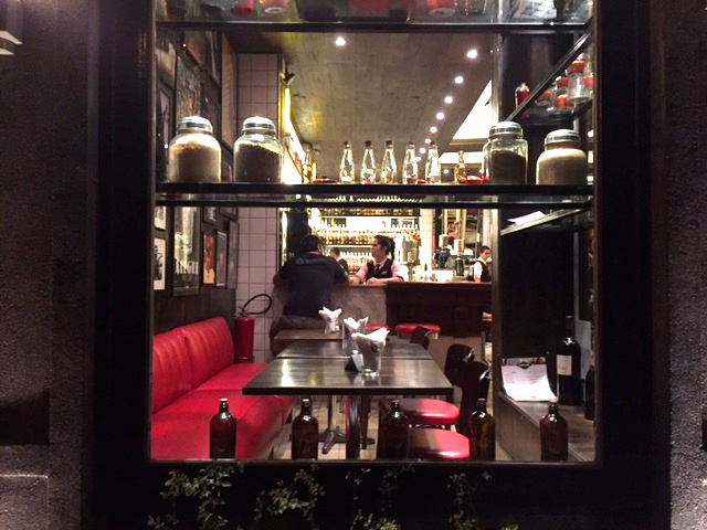 bar astor janela