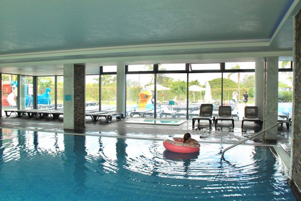 Aquashow park hotel uma estadia super divertida em for Piscina interior
