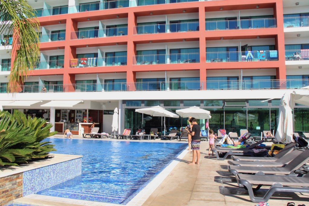 entrada piscina aquashow park hotel