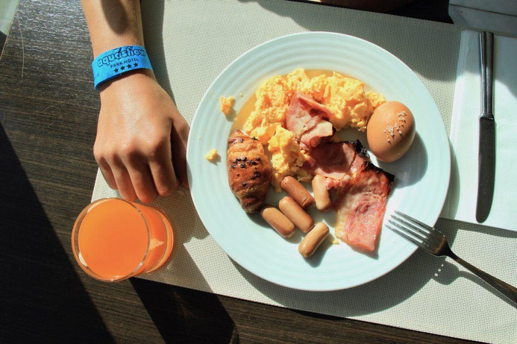 pequeno-almoço aquashow park hotel