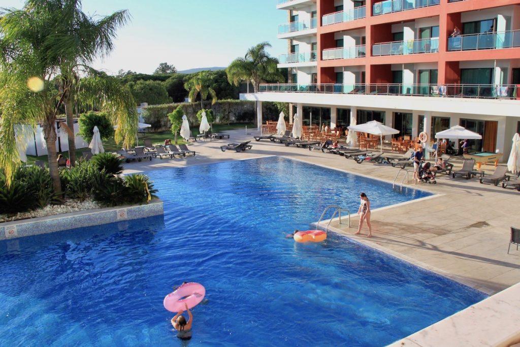 piscina exterior adultos aquashow park hotel
