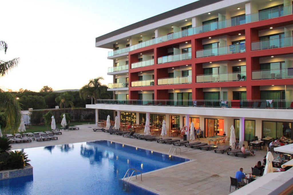 por-do-sol aquashow park hotel