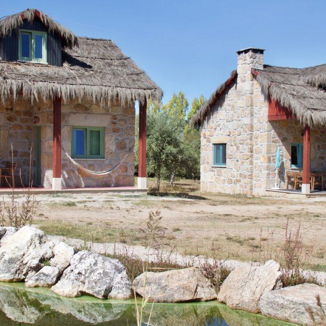 casas pedra chao do rio