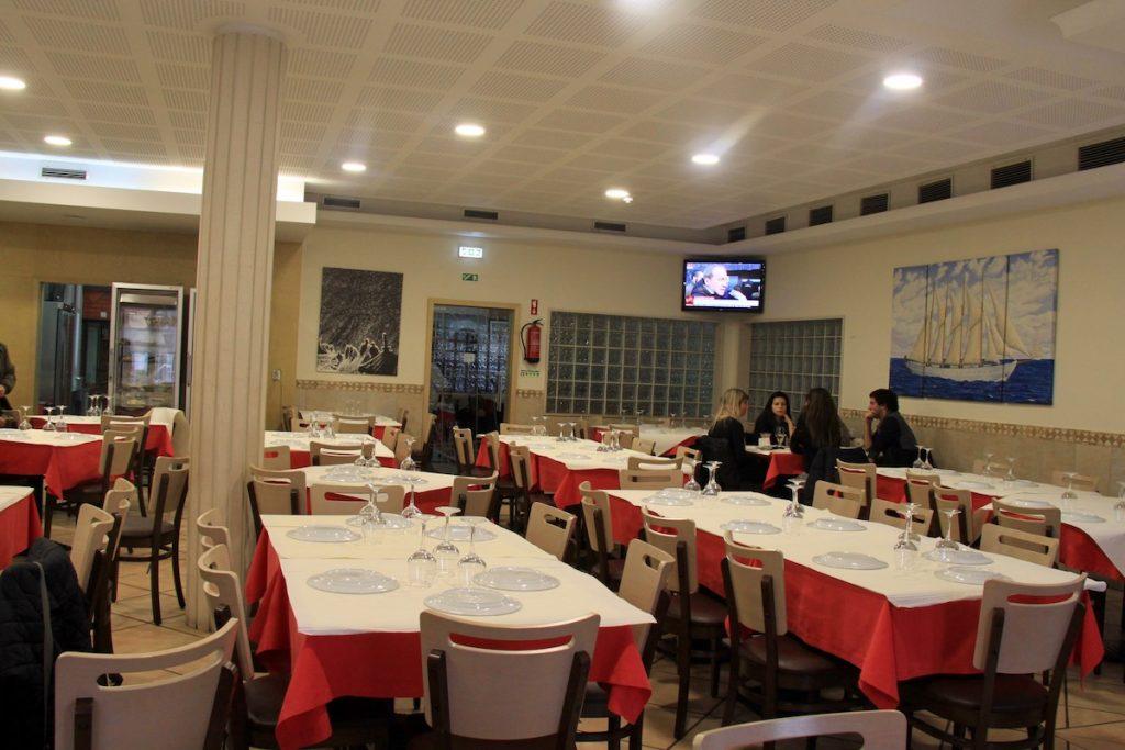 Batista do Bacalhau sala de restaurante