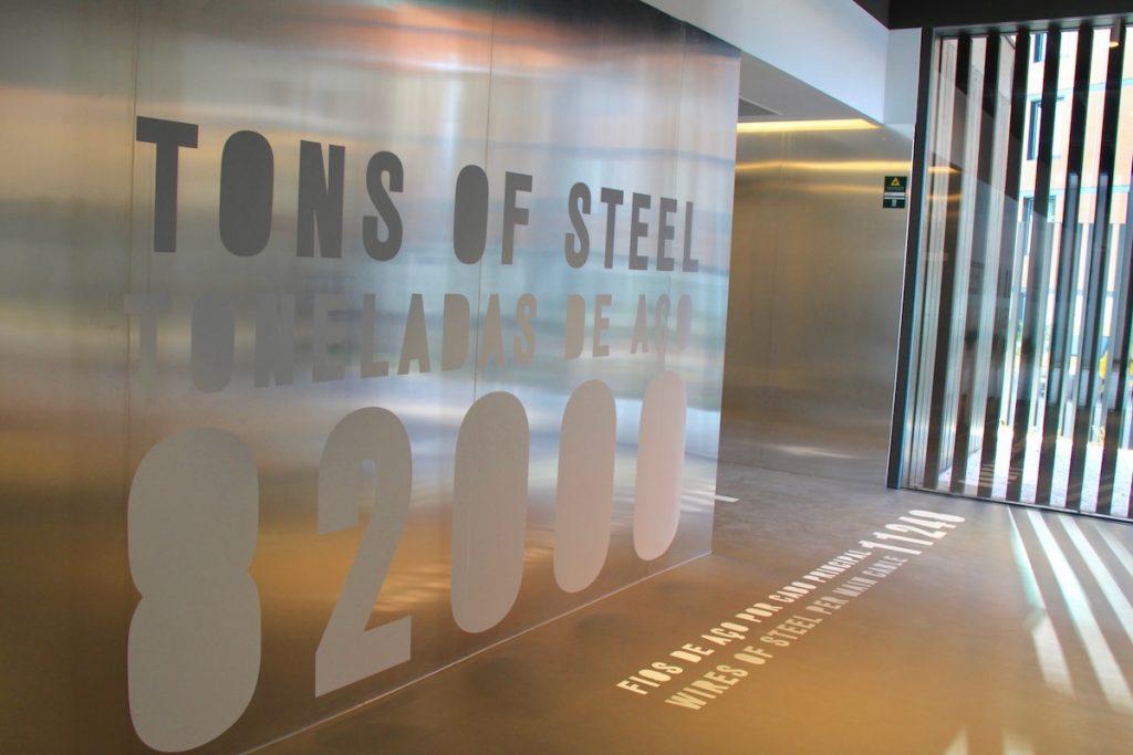 pilar 7 tons of steel