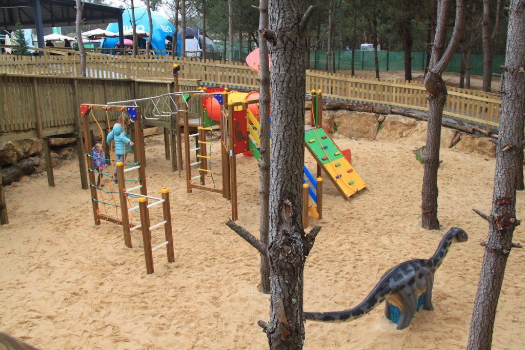 Dino Parque baloiços