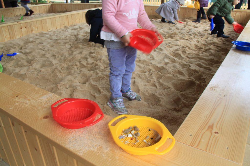 Dino Parque caixa areia