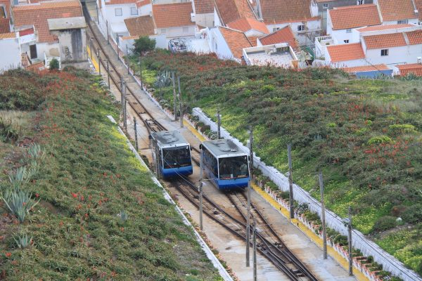 ascensor na nazare carruagens